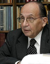 ex fiscal militar Alfonso Podlech