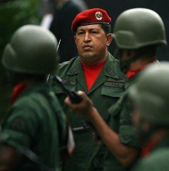 Chávez deportó al compañero Joaquín Pérez Becerra Violentando la legalidad internacional, el gobierno de Chávez deportó al compañero Joaquín Pérez Becerra, quien llego a Bogota cerca de las 18h00 horas.