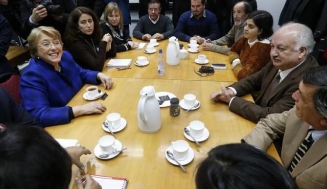Bachelet-con-comunistas-e1369688540626-655x379