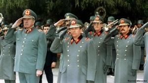 Exagente de Pinochet reclutado a los 18 años, participó en secuestros y torturas. Se exilió a Francia hace tres décadas. Por primera vez declara ante un tribunal sobre su participación en la represión de la dictadura.