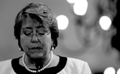 640x400xbachelet-triste_640x400.jpg.pagespeed.ic.zpVNT8gUsB