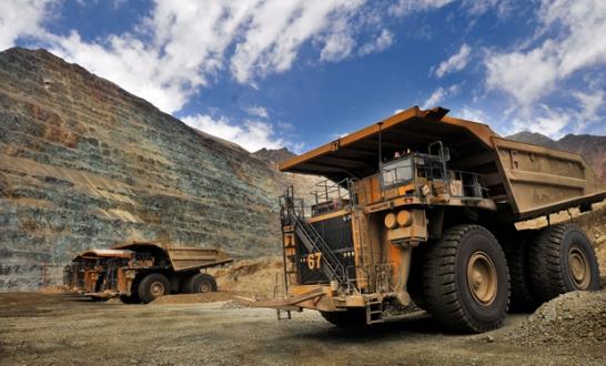 28 de Diciembre de 2011/SANTIAGO Los Bronces es una mina de cobre y molibdeno del grupo Anglo American, que se explota a rajo abierto. El mineral que se extrae es molido y transportado por un mineroducto de 56 kilÛmetros a la planta de flotaciÛn Las TÛrtolas, en la que se produce cobre y molibdeno contenido en concentrados. Adem·s, en la mina se produce cobre en c·todos.Se encuentra ubicada en la RegiÛn Metropolitana, a 65 kilÛmetros de Santiago y a 3.500 metros sobre el nivel del mar. FOTO:ARIEL MARINKOVIC/AGENCIAUNO Mina Los Bronces de Anglo American